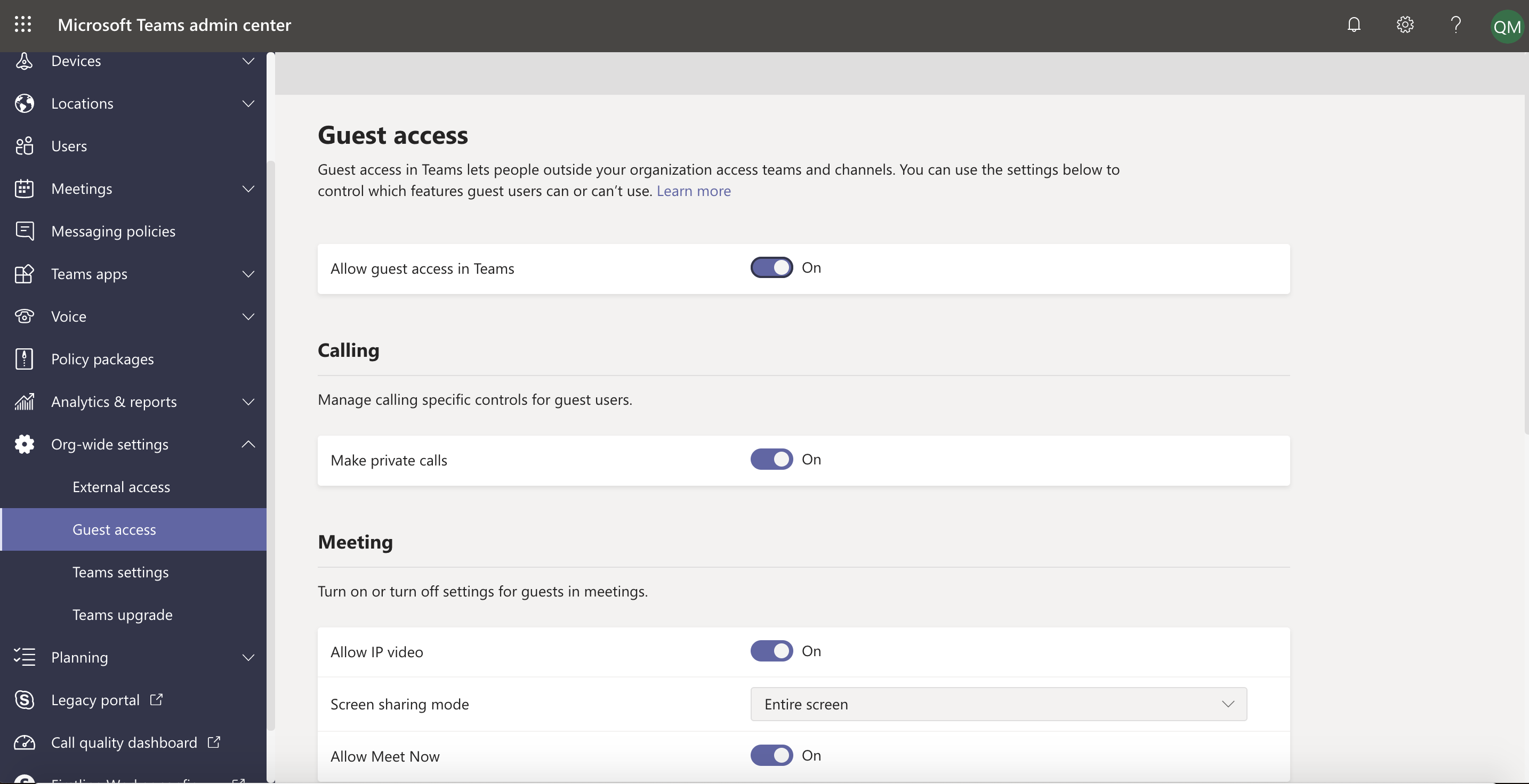 Guest access Org-wide settings in Teams admin center.