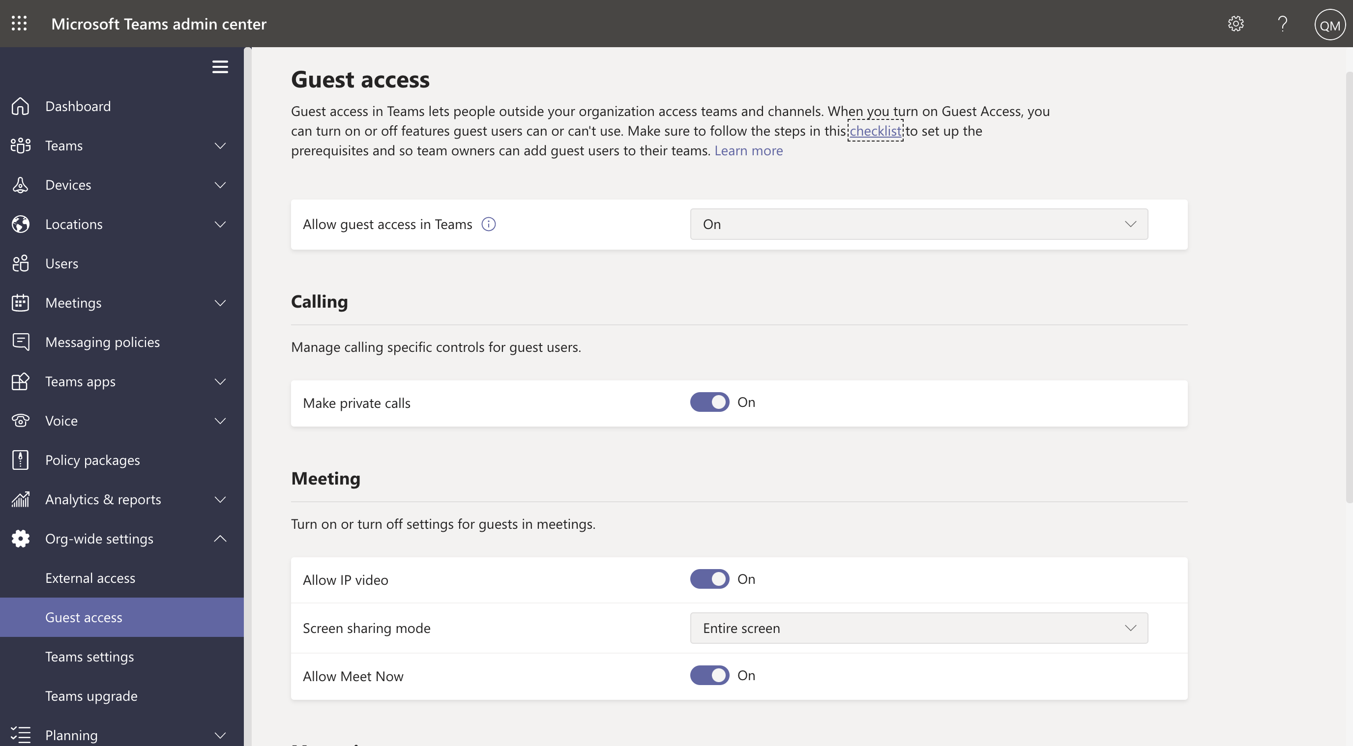 Screenshot showing guest access settings in the Teams admin center.